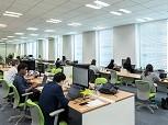 オフィスは、みなとみらい駅直結で通勤便利!新しくてキレイなオフィスです。