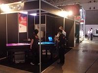 https://iishuusyoku.com/image/映像展示関連の展示会にブースを出展。同社の提供する映像プレゼンテーションを、来場いただいたお客様に体験いただきました。