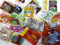 コンビニ弁当やお惣菜に添付されているミニパックのたれ・ソース・ドレッシング等の製造メーカーです! 子供にも大人にも愛される調味料を開発する若手開発メンバーの募集です。