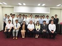 https://iishuusyoku.com/image/エンジニアは30代〜40代が中心!経験豊富な先輩たちが、あなたを一人前のエンジニアに育てます!