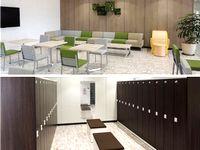 https://iishuusyoku.com/image/社員ロッカーや休憩室の様子です。休憩室には大型テレビも設置され、社員の憩いの場となっています。2018年に移転したばかりのピッカピカの最新オフィスで気持ちよく働けますよ♪
