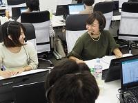 https://iishuusyoku.com/image/まずは電話でアポイントをとります!先輩がとなりでフォローしますので、電話営業がはじめてでも大丈夫!