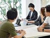 https://iishuusyoku.com/image/PRやSNSを使ったWEB集客も同社の強み。マーケティング部と実店舗の人たちが一つのチームとなって店舗を作り出します。