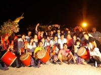 https://iishuusyoku.com/image/沖縄への社員旅行での集合写真。今までグアムや北海道等に行ってきましたが、皆さんとはどこに行くことになるのか楽しみにしています☆