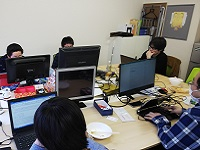 https://iishuusyoku.com/image/第三土曜日の出社日は、本社に集合です。会社のことや、最新技術など、様々なトピックを話し合います!