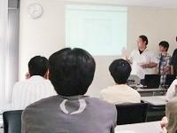 http://iishuusyoku.com/image/新入社員研修は、先輩エンジニアが担当します。先輩とコミュニケーションを取りながら、会社に馴染んでくださいね。