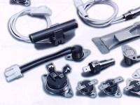 自動車、コーヒーメーカー、電気給湯器、浴室乾燥機、ジェットタオル、ファンヒーターなど、私たちの身の回りにある電化製品に組み込まれている温度調節スイッチ。