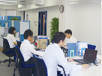https://iishuusyoku.com/image/毎朝、整理整頓や社内掃除を全社員で行っていますので、オフィスは清潔で働きやすい環境です。