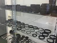 https://iishuusyoku.com/image/カメラのレンズやフィルタに使用される部品。キヤノン、オリンパス、富士フイルム、HOYAなど様々なメーカーを手掛けています!