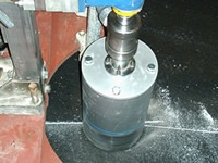 http://iishuusyoku.com/image/同社が開発したドライカッティング工法です。水を使用せずダイヤモンド切断ができるという画期的な工法です。