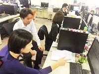 https://iishuusyoku.com/image/社員全員が同じオフィスで開発を行っているので、すぐに先輩に質問・相談ができます。未経験者には心強いですよね!