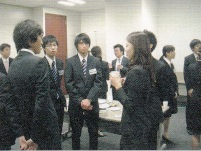 http://iishuusyoku.com/image/外国人留学生、海外大学生とグローバル展開を考える日本企業のマッチングも行っているんですよ!