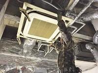 https://iishuusyoku.com/image/見落としがちな空調設備。これも取り外すのですが・・・。これまでは廃棄物として破棄されていたのです。