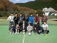 https://iishuusyoku.com/image/M社にはテニス・フットサル・野球など多彩な同好会があり、それぞれ活発に活動を行っています!