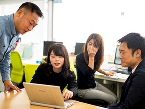 https://iishuusyoku.com/image/2010年設立の少数精鋭ベンチャーで、若いうちから活躍できるフィールドがあります。トレンド最先端のお店へ、勉強も兼ねて経費で飲み会も定期的に行っており、和気あいあいとした社風です♪