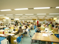 https://iishuusyoku.com/image/なんと、本社内で120人のスタッフが、ハンドメイドにこだわり、花嫁の思いをカタチにしています。