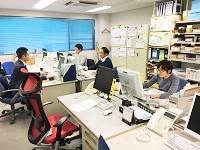 https://iishuusyoku.com/image/オフィスは池袋駅からも徒歩圏内!明るく自由な雰囲気でありながらも、仕事に集中できる落ち着いた環境です。