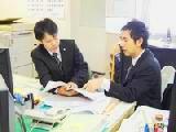 https://iishuusyoku.com/image/業界未経験でも大丈夫!入社後は先輩社員の営業に同行し、じっくりと仕事を覚えていってもらいます。その後も先輩社員がやさしく教えてくれるので安心して仕事に専念できます!