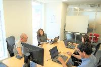 https://iishuusyoku.com/image/打ち合わせ風景です。設計~システムテストまでをエンジニアチームで協力しながら進めていきます。