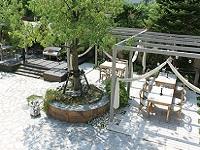 http://iishuusyoku.com/image/公園や歩道などの公共空間にもY社の製品が多く使われています!公共という、スケールの大きい仕事を味わうことができるのも、Y社ならではの醍醐味!