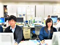東証一部上場企業グループ!安定した経営基盤を持ち、多くの事業展開を行うグループ各社の管理部門を支えています。