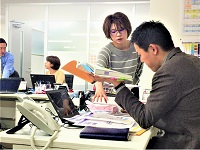 https://iishuusyoku.com/image/社内コミュニケーションを重要視しているので、気軽に質問でき、時には意見を出し合うなど切磋琢磨できる環境です!