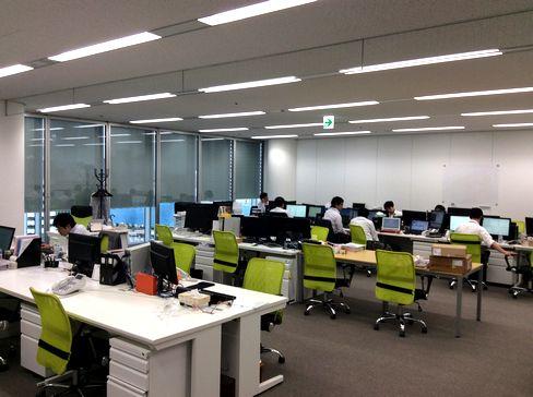 https://iishuusyoku.com/image/土日祝休みで年間休日120日以上!繁忙期でなければ定時で帰る社員も多く、非常に働きやすい環境です。