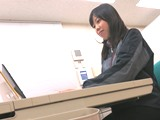 https://iishuusyoku.com/image/入社段階では、製品知識は一切必要ありません。入社後、毎週の研修や、自社研究所で研究開発部門との勉強会、また日々の先輩との営業同行などでしっかりと勉強していくことができます。
