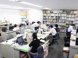 https://iishuusyoku.com/image/オフィスの様子です。一般的な企業と比べ、かなり落ち着いた雰囲気なのが特徴です。業界経験は一切問わずイチから教えていきますので、業界未経験の方もご安心くださいね。