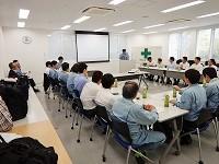http://iishuusyoku.com/image/毎年開催している安全大会では、災害時の心構えや日頃の安全対策など、テーマに沿った講師をお招きして意識を高めています。