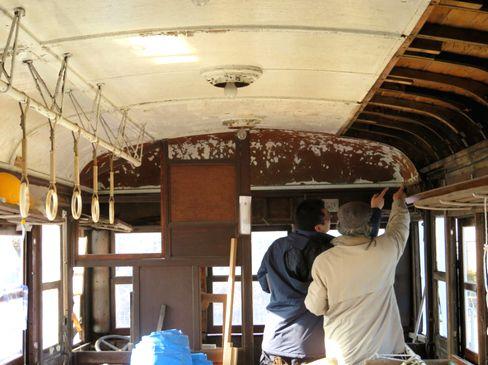 https://iishuusyoku.com/image/博物館事業以外では、交通に関わる文化遺産の調査活動も行っています。各地に残る歴史的な文化遺産の現地調査を行い、事物の現状の記録保存を進めています。調査は大学教員や保存団体と共に実施することもあります。