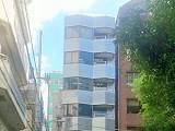 https://iishuusyoku.com/image/本社オフィスは、新宿御苑前駅。アクセスも抜群です。