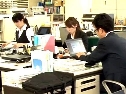 http://iishuusyoku.com/image/土日祝休みで年間休日120日以上!残業も月平均20時間程度と、オンオフのメリハリをつけて働ける環境です。