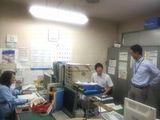 https://iishuusyoku.com/image/社内の様子です。会社は最寄り駅から徒歩8分。大阪港に囲まれた、とても眺めが良いところにあります♪