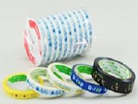 https://iishuusyoku.com/image/コンビニエンスストアでペットボトル飲料を買うと、レジでペタっと貼られるテープ。実は同社が卸しています!