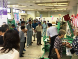 https://iishuusyoku.com/image/畳屋さん向けに定期的に展示会も行います。新商品の特徴や使い方などを説明します。