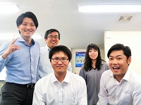 http://iishuusyoku.com/image/歴史ある会社ですが、若手の採用にも積極的で現在の社員の平均年齢は34歳。活気があり働きやすい社風です♪