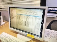 https://iishuusyoku.com/image/専用ソフトで工図の作成やプログラミングを行います。高度なPCスキルは不要!先輩が教えますのでご安心を!
