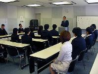 "https://iishuusyoku.com/image/研修では、プログラムの""考え方""を身につけ、モデルに従ってオンラインショピングシステム等を実習で構築します!"