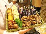 http://iishuusyoku.com/image/無添加の素材にこだわって、調理もすべて店舗で行います。非効率に見えて、工場からの運送の手間がはぶけてどこにでも出店できるという利点もあります!