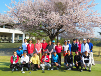 毎回盛り上がる社内ゴルフコンペや2年に1回の海外旅行(これまでにハワイ・オーストラリア・台湾などへ行きました。)といった社内イベントを楽しみながら皆で親睦を深め合っています!
