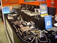 時計業界では有名!あの大手時計メーカーさんとコラボして商品化したものも。お客さんのニーズに合わせ金属をコーディネートします。