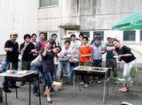 https://iishuusyoku.com/image/懇親会でのバーベキューの様子です。和気藹々とした、アットホームな社風です。