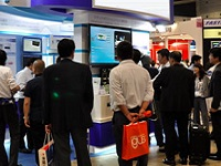 https://iishuusyoku.com/image/2005年創業の若い会社ですが、日本全国の自動車メーカーへの納品実績あり!展示会では、J社が送り出す革新的な製品に多くの研究員が集まります!