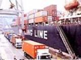 https://iishuusyoku.com/image/輸出入における税関手続きを行っている通関業務部。一つひとつの荷物の積み下ろしにも書類が必要になります。