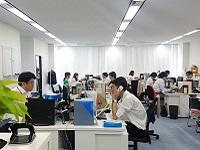 オフィスは白金高輪駅直結!移転したばかりで新しく、明るく活気のあるオフィスです!