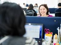 https://iishuusyoku.com/image/メリハリをつけて働いている社内。午前中は忙しく高い集中力が求められますが、午後は談笑の時間も多く和やか。