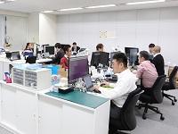 本社オフィスは新横浜駅から徒歩数分とアクセス抜群の好立地☆ビルの中には社員食堂があり、気軽に利用することが出来ますよ♪♪
