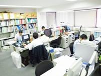 https://iishuusyoku.com/image/広々とした環境で、設計に専念することができます。先輩との距離も近いので、すぐに質問できるのも同社の魅力。