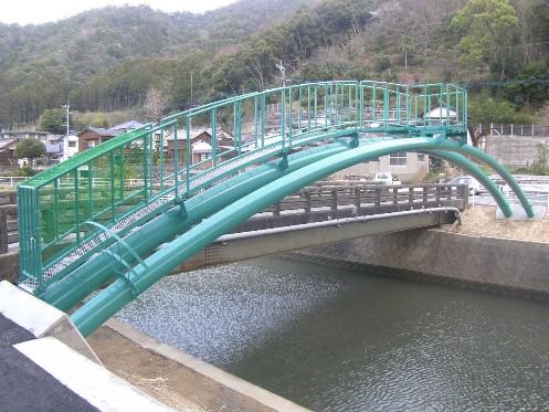 水管橋や上下水道を設置する設計・施工・工事、そして安心に使うためのメンテナンスに至るまで業務内容が広がってきています。